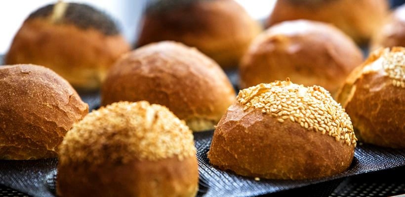 Cuisson de pains au four grâce aux moules FLEXIPAN® AIR