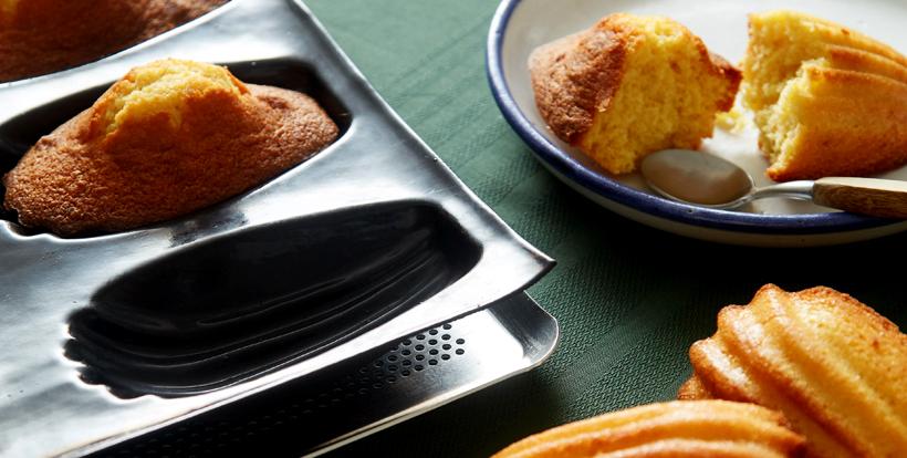 Réaliser des madeleines moelleuses avec les moules FLEXIPAN® Guy Demarle